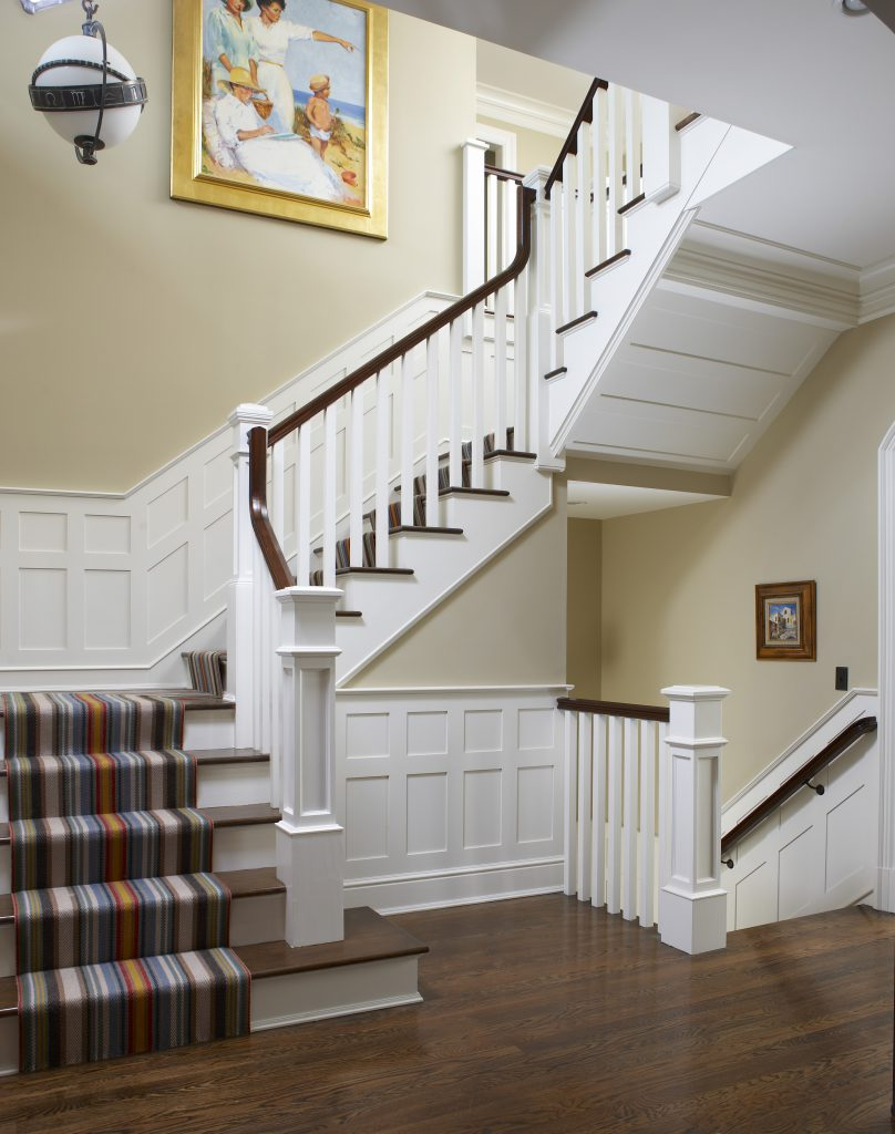 Stairs with wainscoting | Pratt & D'Angelo