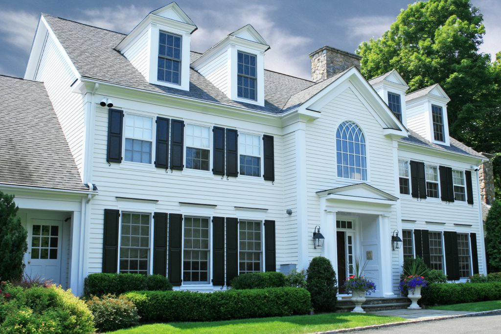 White house with shutters | Pratt & D'Angelo